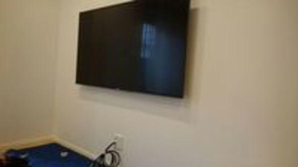 東京都文京区新築戸建にて 壁掛けテレビとアンテナ同日設置で割引き