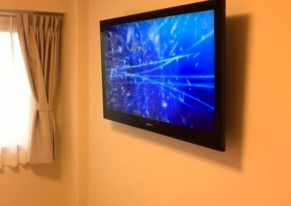 46テレビ壁掛け工事 東京都調布市 壁掛け金具固定のサムネイル