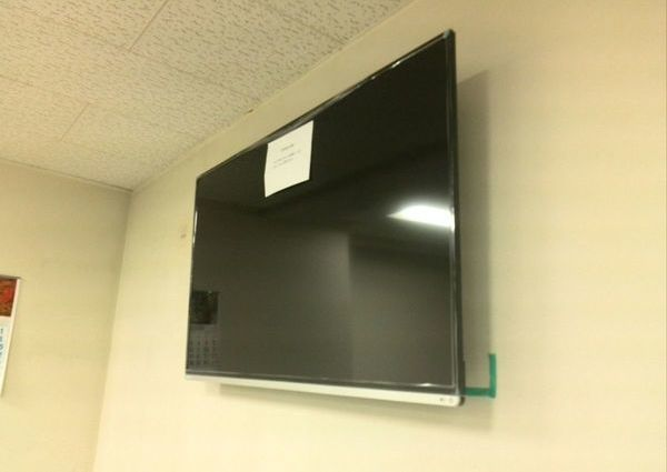 50インチテレビ壁掛け工事東京都目黒区 GL壁のサムネイル
