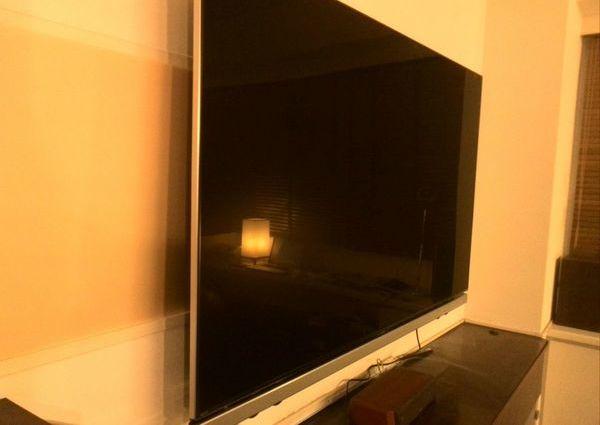 東京都目黒区にて 70インチテレビ壁掛け工事 コンクリート壁のサムネイル
