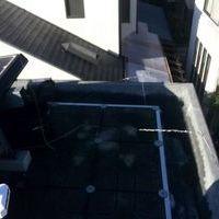 東京都杉並区にて 地デジBS/CSアンテナ工事 陸屋根に太陽光パネルありのサムネイル