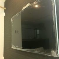 新宿区 55インチテレビ壁掛け工事 補強済みの壁への取り付け料金 のサムネイル