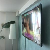 テレビ壁掛け工事 東京都 コンクリート壁のサムネイル