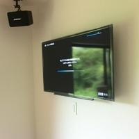 40インチ  テレビ壁掛け工事  藤沢市のサムネイル