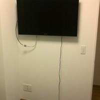 42インチ液晶TV壁掛け工事  神奈川県瀬谷区のサムネイル