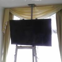 テレビ壁掛け天吊り工事 東京都八王子市のサムネイル