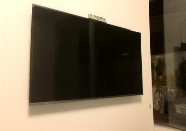 50インチテレビ壁掛け工事 補強済み 東京都目黒区にて のサムネイル