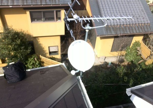 地デジ/BS/CS/ブースター アンテナ工事 東京都三鷹市にてのサムネイル