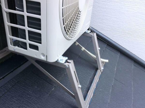 東京都大田区にて エアコン工事 室外機屋根置き