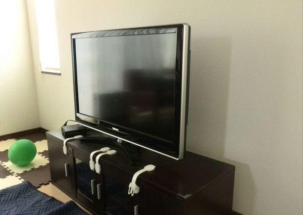 42インチテレビ壁掛け工事 配線隠蔽 神奈川県川崎区 のサムネイル