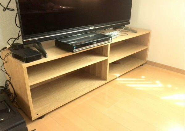 60インチテレビ壁掛け工事 横浜市戸建てにて 隠蔽配線 HDMI端子設置 その他LANケーブルのサムネイル