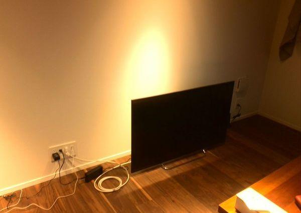 42インチテレビ壁掛け工事 東京都世田谷区にて 隠蔽配線のサムネイル