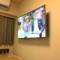 横浜市港北区マンションにて 60インチテレビ壁掛工事 補強板設置 フルモーション金具のサムネイル