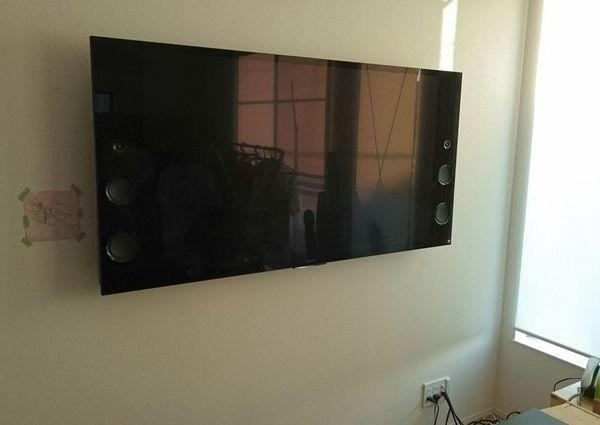 東京都世田谷区にて 55インチSONYテレビ壁掛け工事 補強材/壁紙処理のサムネイル