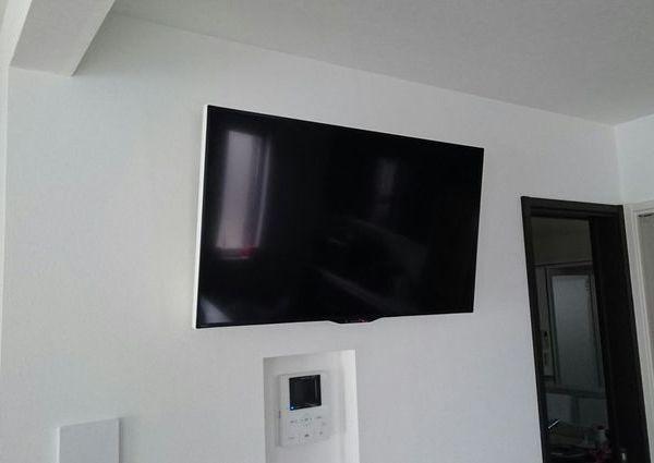 東京都足立区にて壁掛けテレビ・天井裏配線工事のサムネイル