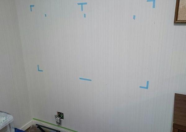 東京都町田市にて 55インチテレビ壁掛け 隠蔽配線工事です。のサムネイル