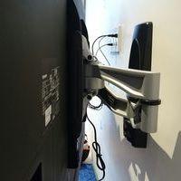 東京都中野区戸建てにて REGZA65型テレビ壁掛け工事 壁面補強済のサムネイル