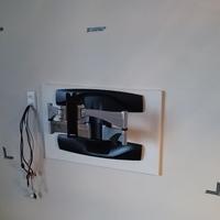 東京都 マンションにて 壁掛けテレビ 配線隠蔽増設工事  のサムネイル