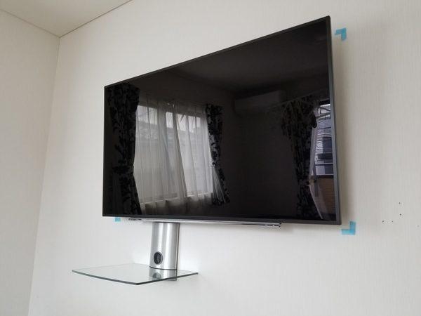 相模原市にて 59型テレビ壁掛け工事 AVラック