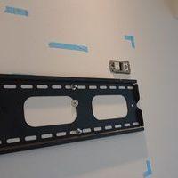 横浜市マンションにて 42型テレビ壁掛け工事のサムネイル
