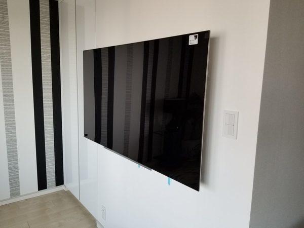 東京都江東区にて 壁掛けテレビ 配線隠蔽
