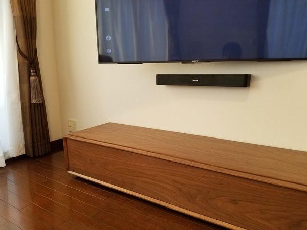 東京都港区にて 壁掛けテレビ 隠蔽配線工事