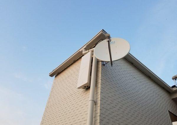 地デジBS/CSアンテナ工事 壁掛けテレビ同時工事のサムネイル