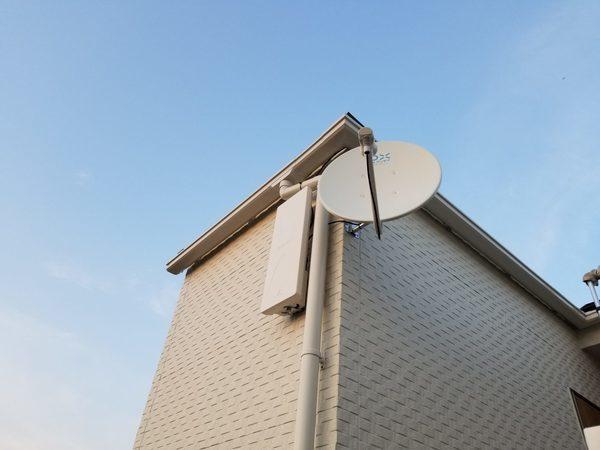 地デジBS/CSアンテナ工事 壁掛けテレビ同時工事