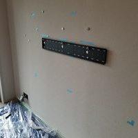 東京都新宿区にて 壁掛けテレビ 配線工事のサムネイル