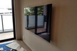東京都新宿区にて 壁掛けテレビ 配線工事