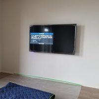 神奈川県川崎市マンションにて 55型壁掛けテレビ工事のサムネイル
