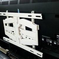 神奈川県横浜市にて 壁掛けテレビ工事 左右角度可動式配線隠蔽のサムネイル