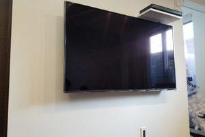 東京都板橋区にて 壁掛けテレビAVラック取り付け